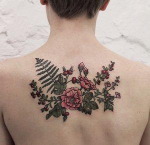 tattoo louloudia stin plati gynaikas