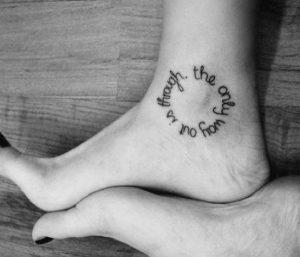 astragalos kalligrafiko tattouaz