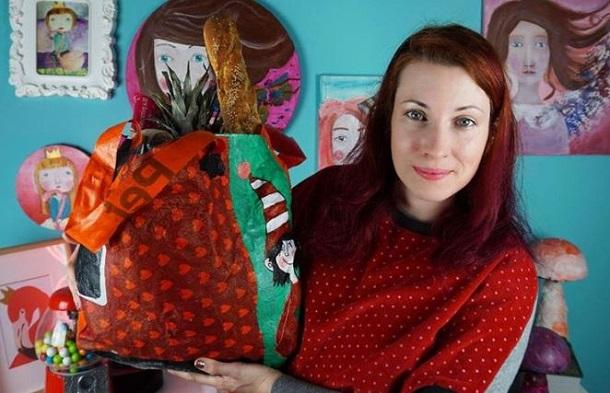 Πώς να φτιάξεις μία τσάντα από σακούλες του σούπερ μάρκετ!