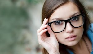 Βρες τα κατάλληλα γυαλιά οράσεως ανάλογα το σχήμα προσώπου σου!