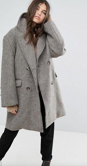 Το γκρι είναι ένα διαχρονικό χρώμα που ταιριάζει τέλεια σε όλες τις  γυναίκες. Η μόδα για φέτος προστάζει over sized παλτό όπως αυτό και η  κουκούλα είναι ένα ... bc32f5a5531