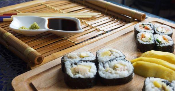 Πώς να φτιάξεις το πιο νόστιμο σπιτικό sushi!