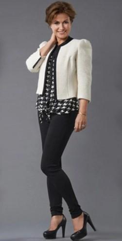 Το τζιν δεν παύει να είναι διαχρονική αξία σε κάθε ηλικία. Φόρεσε το με ένα  σακάκι και γόβες για θηλυκό και γοητευτικό look 4be451f5e9f