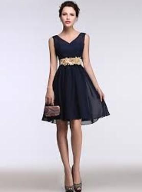 f043f2f2036a Ξεκινώ από το φόρεμα μιας και είναι από τις πρώτες επιλογές που όλες  σκεφτόμαστε. Διάλεξε ένα κοκτέιλ φόρεμα σε παστέλ αποχρώσεις ή σε  μονοχρωμίες.