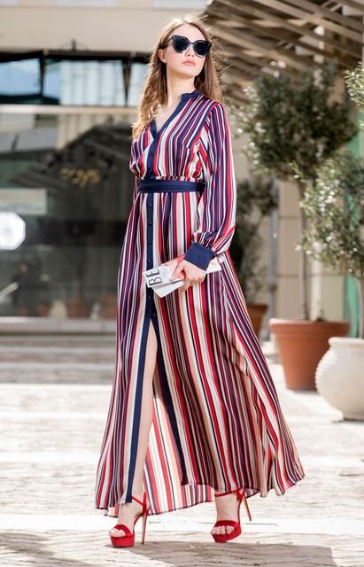80d95aea85ec Τα φορέματα τα αγαπάμε όλες οι γυναίκες για την εφαρμογή τους και τη  θηλυκότητα που χαρίζουν. Η onlinefashion έχει τα πιο όμορφα σχέδια