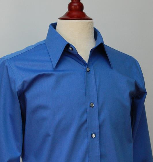40c0acd29711 Το χρώμα που πάει στους περισσότερους άντρες και για κάποιο λόγο στους  περισσότερους Ιχθείς είναι το μπλε. Ένα πουκάμισο ή ένα πουλόβερ σε μπλε  σκούρο ...