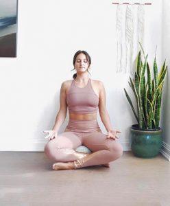 stasi lwtou yoga