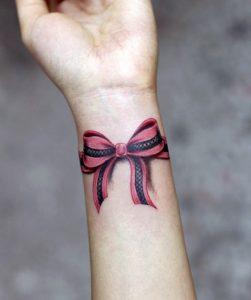 trisdiastato tatouaz fiogkos