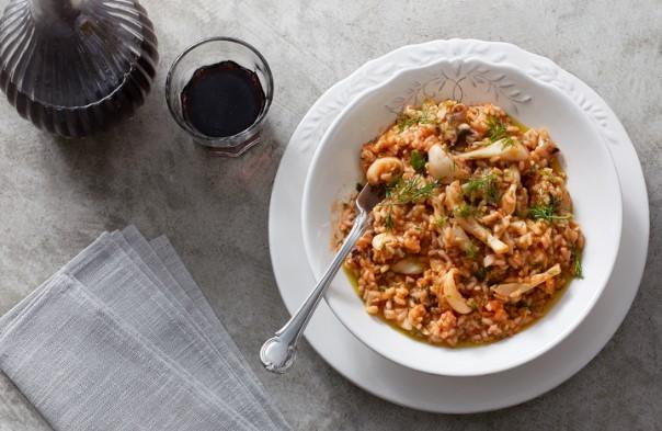 Εύκολη νηστίσιμη συνταγή για σουπιές με ούζο και ρύζι!