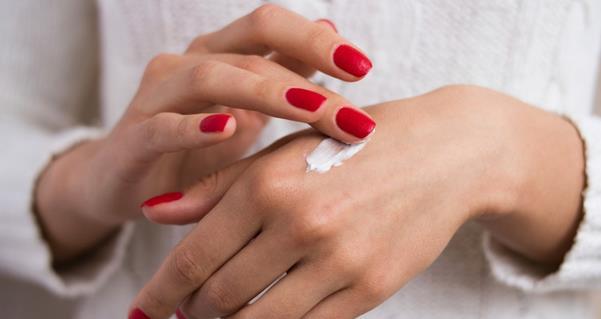 Οι 15 καλύτερες κρέμες χεριών για υπέροχα και μαλακά χέρια!
