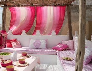 mpalkoni roz kourtines
