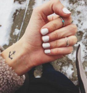 mikro tatouaz karpou agkira