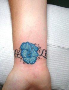 tatouaz egxrwmo mple louloudi