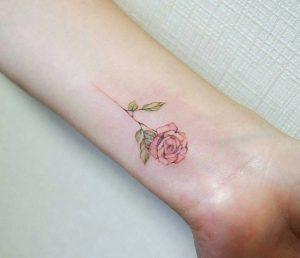 tatouaz egxrwmo triantafyllo