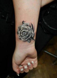 tatouaz karpoy louloudi