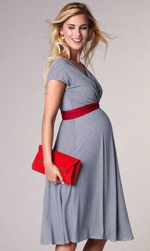 8bde25874847 Τα φορέματα είναι must την περίοδο της εγκυμοσύνης, καθώς με το μάκρος τους  και την συνήθως αεράτη γραμμή τους χαρίζουν φινέτσα και στυλ σε κάθε  γυναίκα.