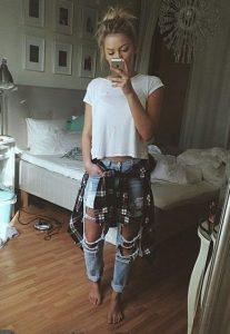 skismeno boyfriend jeans, lefko tshirt, poukamiso