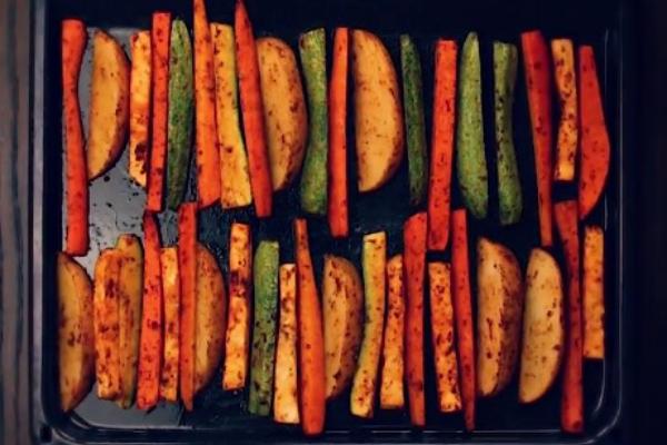 Πανεύκολη συνταγή για στικς λαχανικών στον φούρνο!