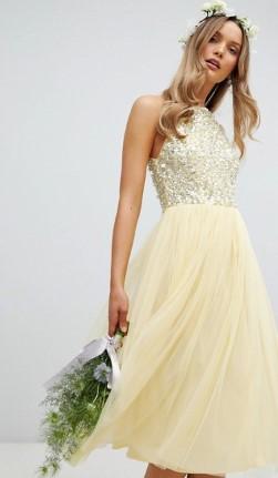 6b6ede144db Αν αγαπάς τις τούλινες φούστες και φορέματα, τότε είσαι στο στοιχείο σου.  Είναι απίστευτα ρομαντικά και θα σε μαγέψουν με την όμορφη κατασκευή τους.