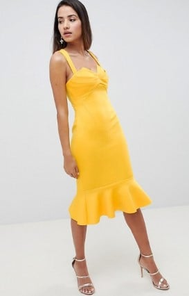 Τα μονόχρωμα midi φορέματα είναι πάντα κομψά και σαγηνευτικά. Μπορείς να  επιλέξεις είτε ασύμμετρο σχέδιο είτε κάποια διαφάνεια για πιο ιδιαίτερο  στυλ. 51a094c89f2