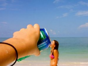 Οι 11 πιο αστείες φωτογραφίες που πρέπει να αντιγράψεις φέτος το καλοκαίρι!