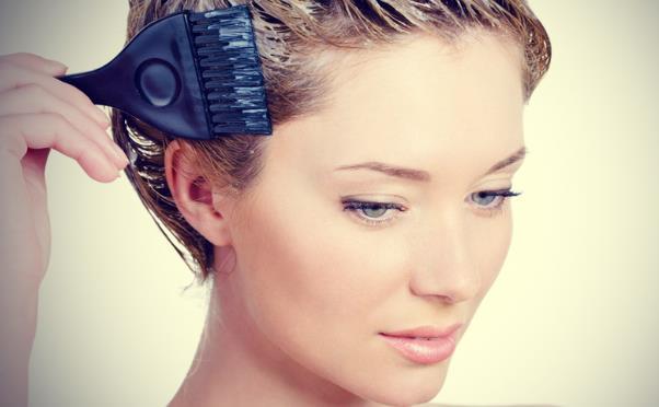Αλήθειες και tips αν θες να κάνεις βάψιμο των μαλλιών με henna