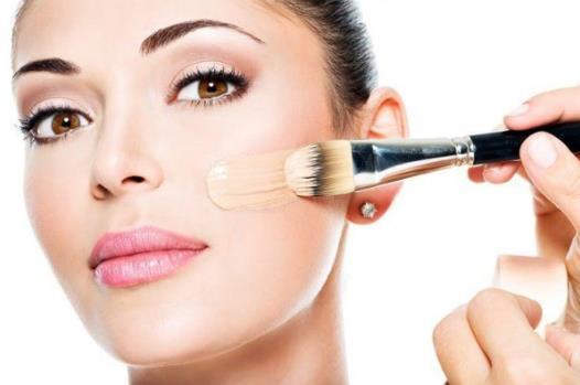 Οι 8 καλύτερες βάσεις make up για λιπαρό δέρμα!