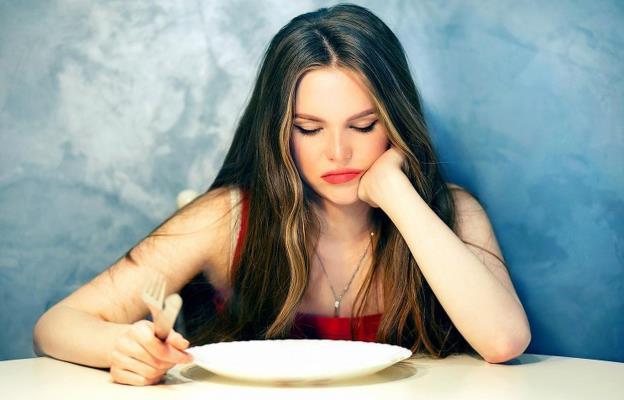 Ποιος είναι ο πραγματικός λόγος που έχουμε νεύρα όταν πεινάμε!