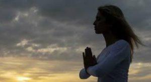yoga thriskeia