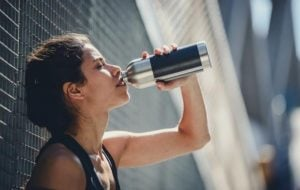 Είναι καλύτερο να πίνουμε ζεστά ή κρύα ροφήματα μετά την γυμναστική;
