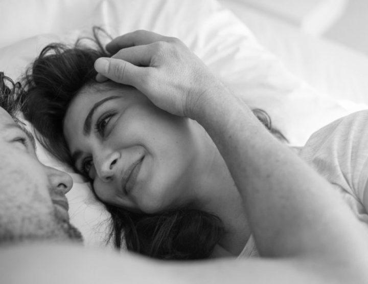 Πως βοηθάει την υγεία σου όταν κοιμάσαι με τον σύντροφο σου!