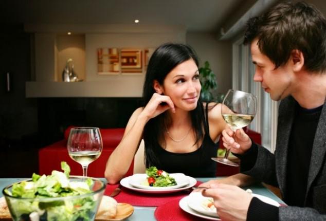 Ραντεβού στο σπίτι: Τι να κάνεις για να αισθανθεί άνετα το ταίρι σου!