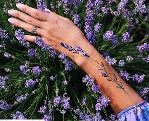 mov louloudi tattoo