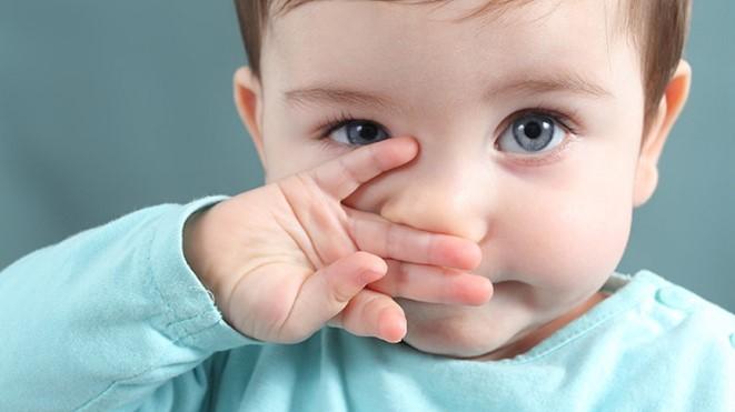 Πως θα καθαρίσεις εύκολα τη μύτη του μωρού σου!