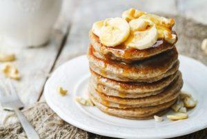pancakes banan me tria ilika, edia.gr