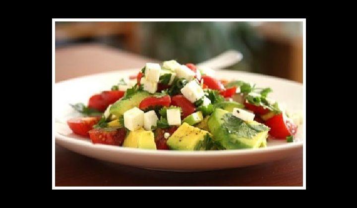 Δροσιστική σαλάτα με αβοκάντο!
