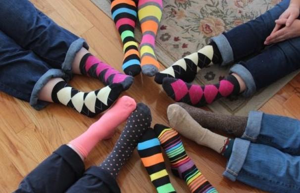 5 Τρόποι να χρησιμοποιήσεις τις αταίριαστες κάλτσες!