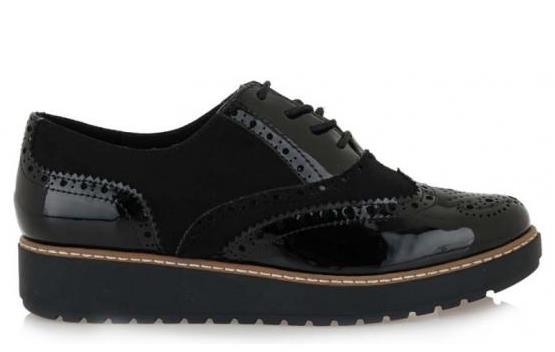 61d113ed767 Για κάτι λίγο διαφορετικό την φετινή σεζόν μπορείς να διαλέξεις κάποιο slip  on ή oxford παπούτσι. Τα παπούτσια αυτά δίνουν την άνεση των sneakers με  έναν ...
