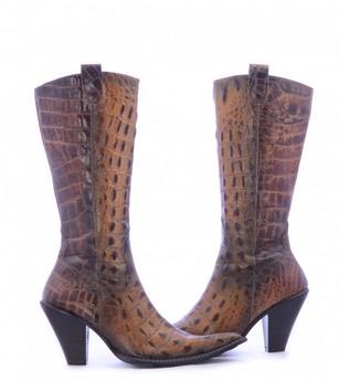 c632ec5eae5 Από την άλλη μεριά, αν είσαι λάτρης του διαφορετικού και θέλεις να  ξεχωρίζεις, οι καουμπόικες μπότες είναι η απόλυτη αγορά για σένα!