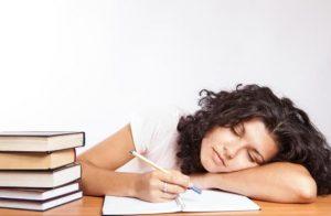Τι πρέπει να κάνεις αν νιώθεις συνεχώς κουρασμένη!