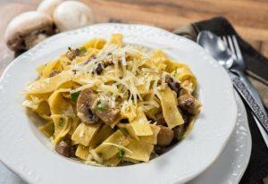 Νηστίσιμη συνταγή για χυλοπίτες με μανιτάρια στο τηγάνι!