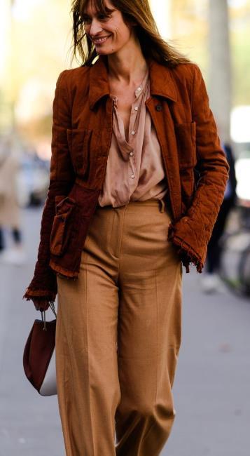 Τα καλύτερα street style looks από την εβδομάδα μόδας στο Παρίσι ... 29b76a5da5c
