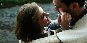 7 Απλά πράγματα που Γοητεύουν τους Άντρες!