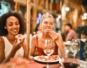 11 Τρόποι για να αποφύγεις τα περιττά κιλά στις γιορτές!