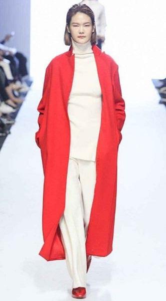 4a30ed2952e1 Ποιες γυναικείες ζακέτες και παλτό είναι στη μόδα για το 2019!