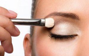 5 Βασικές αρχές για τέλειο μακιγιάζ με σκιές ματιών!