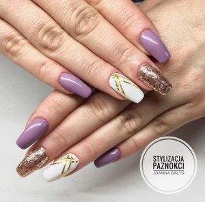lila manicure