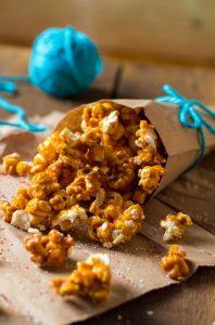 pop korn me karamela se xarti