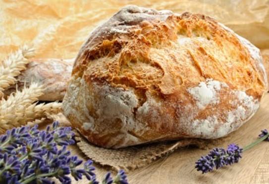 Συνταγή για το πιο νόστιμο ψωμί με γιαούρτι!