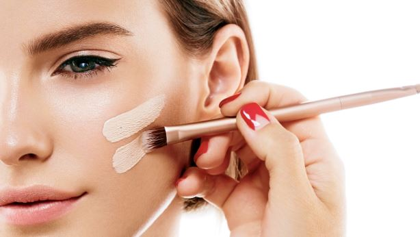 Πώς να πετύχεις το σωστό μακιγιάζ αν έχεις ακμή!